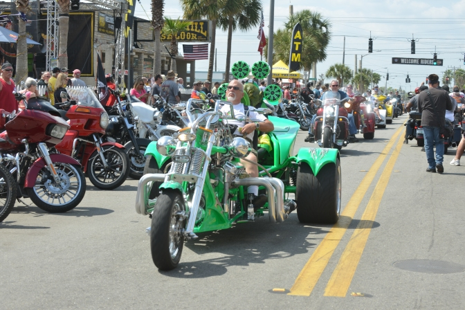 CHECK OUT THE V8 PARADE FROM DAYTONA BIKEWEEK 2019